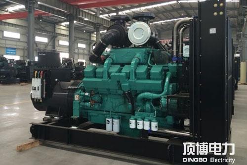 重庆康明斯柴油发电机展示当中
