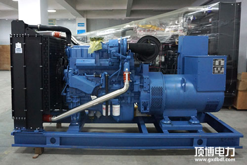 仓库中的300KW柴油发电机组