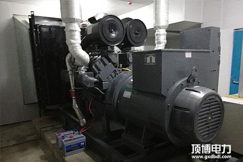 帕金斯柴油发电机组机机房