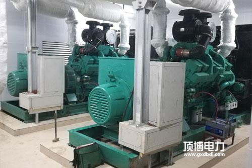 两台600KW柴油发电机组