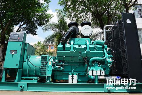 1000KW康明斯柴油发电机组准备出厂