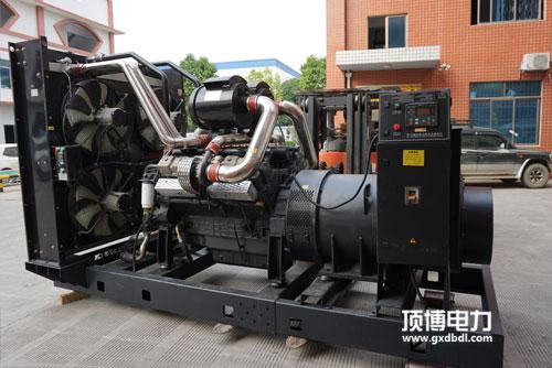 桂林发电机厂家沃尔沃柴油发电机组300kw怠速不平稳