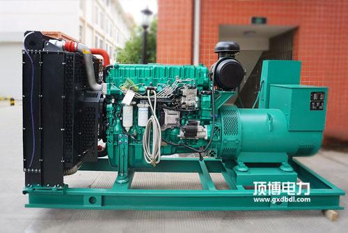 柴油发电机550kw怠速时快时慢的缘由